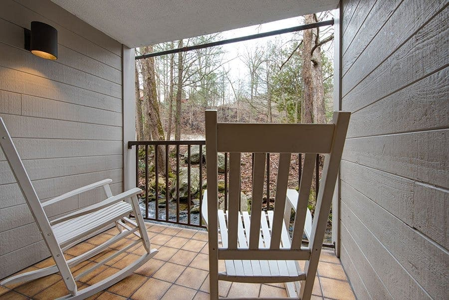 river front balcony at sidney james mountain lodge