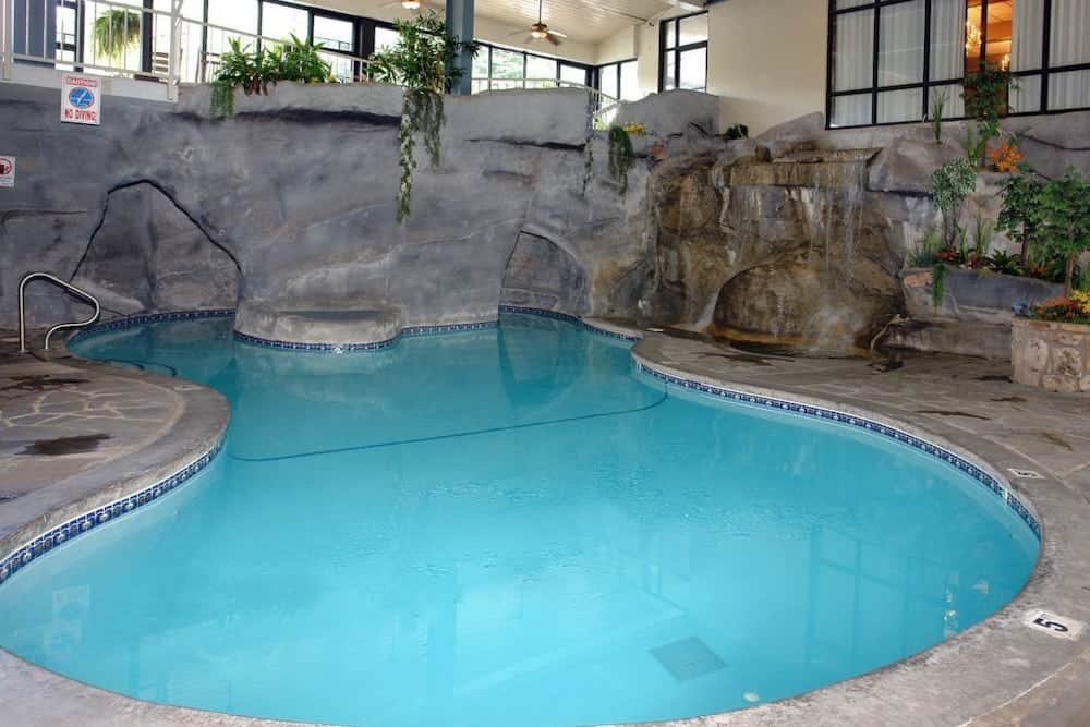 sidney james indoor pool in gatlinburg