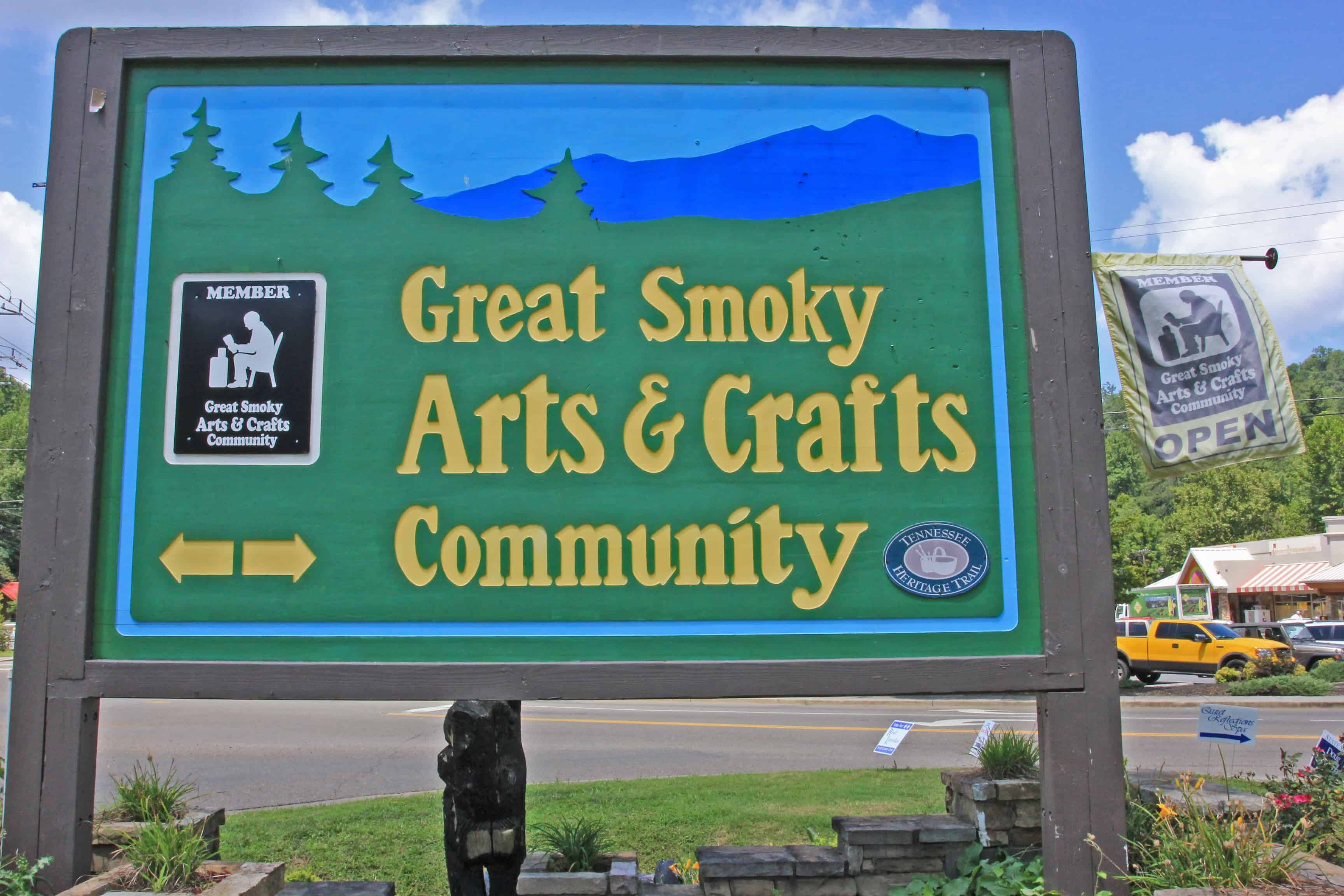 Arts and Crafts Community sign